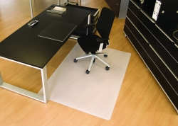 BSM Bodenschutzmatte milchig für glatte/harte Böden - Form 0, 120 x 180 cm