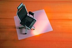 BSM Bodenschutzmatte milchig für Teppichböden - Form 0, 120 x 110 cm